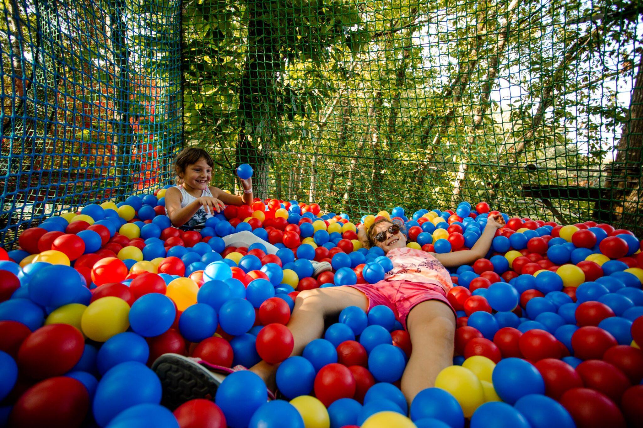 Corsaire Aventure - piscine à boules @Sparaw