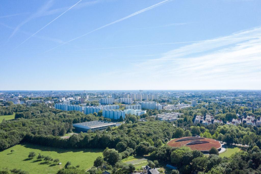 Vue aérienne autour du parc Forêt Adrénaline Rennes